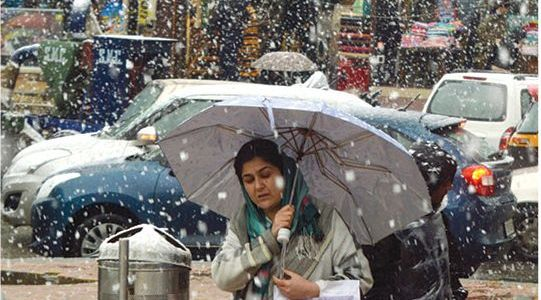 Weatherman forecast light rains, snow on New Year eve