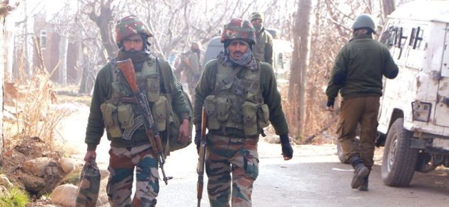 Forces lay siege to Zainapora village in Shopian