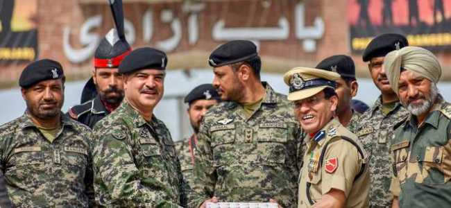 BSF gifts sweets to Pak Rangers on R-Day