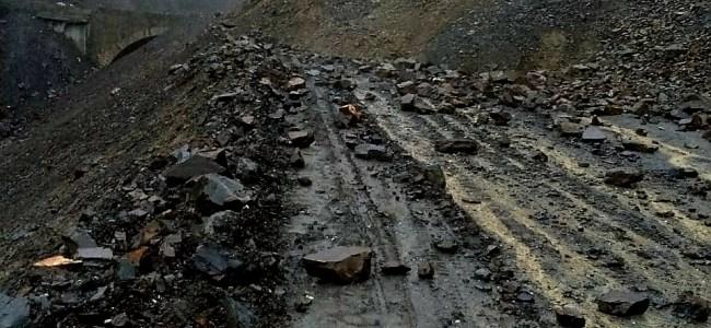 Jammu-Srinagar highway closed for third consecutive day