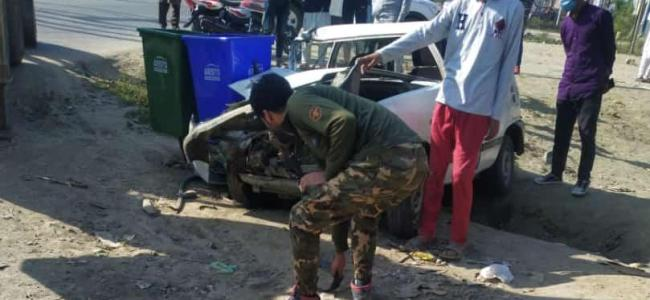 Police official injured in road mishap at Sopore