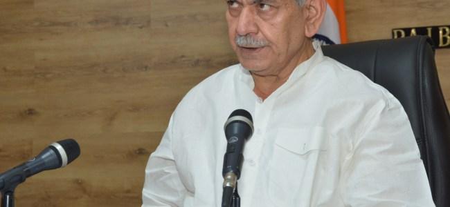 Lt Guv dedicates 'Awaam Ki Awaaz' episode to the tireless efforts of Corona Warriors