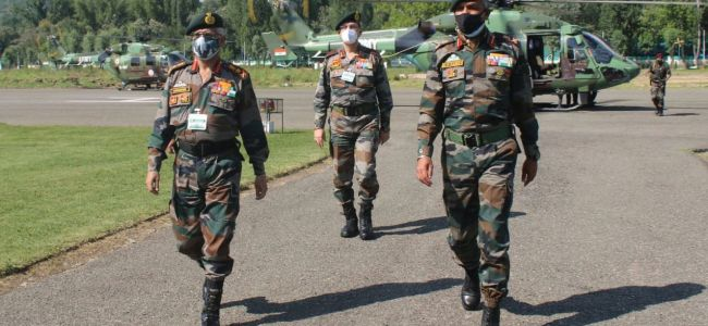 Army Chief visits Kashmir, reviews security situation