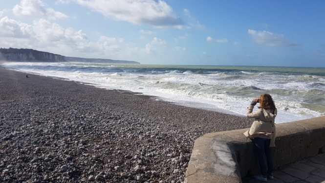 alabastrowe klify w Normandii