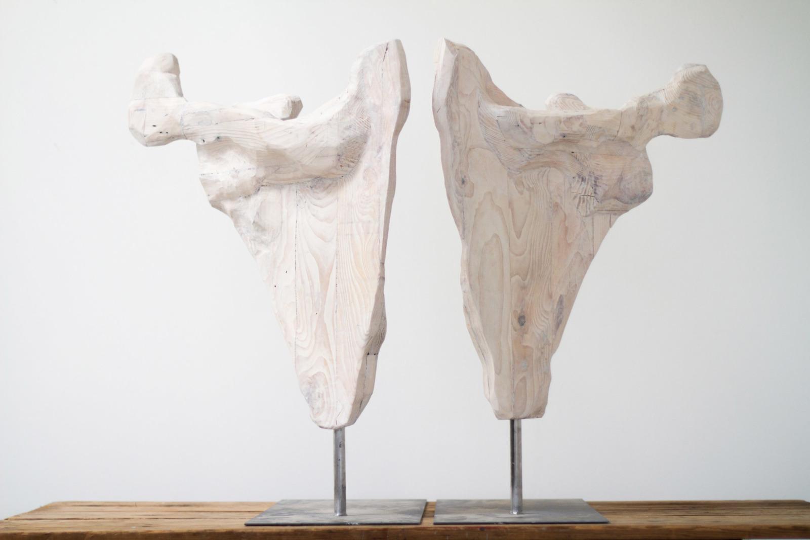Os de Palette, sculpture from reclaimed pallet wood, 2019, 62 cm x 24 cm x 78 cm each, 2 sculptures on steel bases.