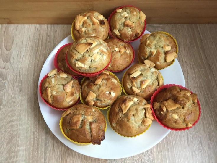 Bananowe muffinki z białą czekoladą