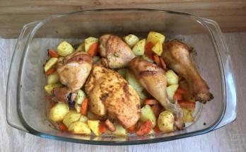 Pieczone udka z ziemniakami i marchewką