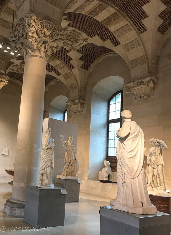 sculptures at the louvre