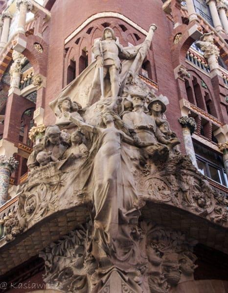 architecture sculpture