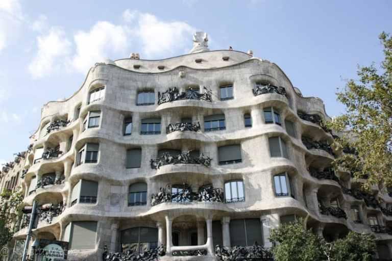 Barcelona, finding Gaudi and Sagrada Familia