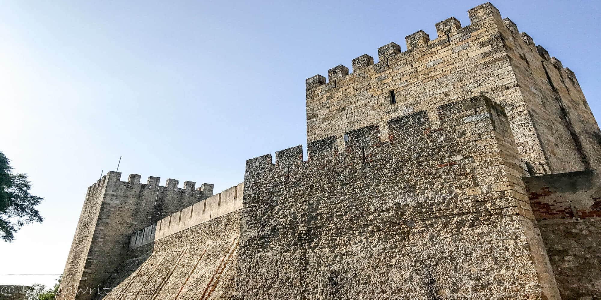 Visiting Lisbon's Castelo de Sao Jorge | kasiawrites cultural travel