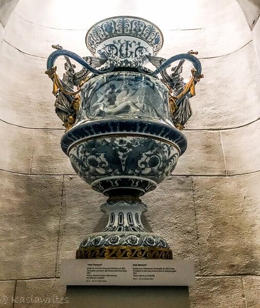 ROM vase