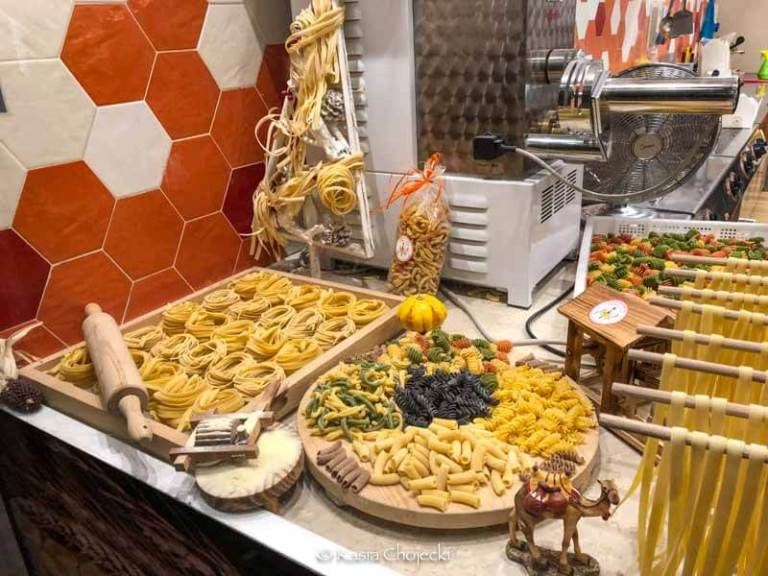 different types of fresh pasta