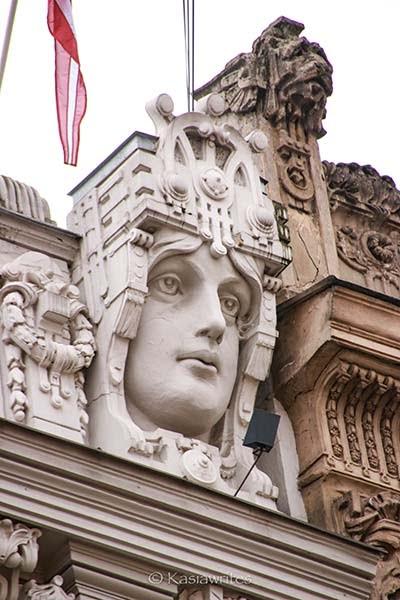ornamental head decorating a building