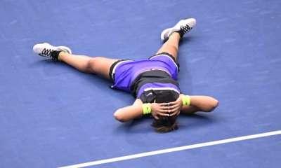 Bianca Andreescu beats Serena Williams