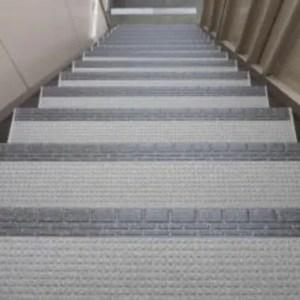 シート状の床材