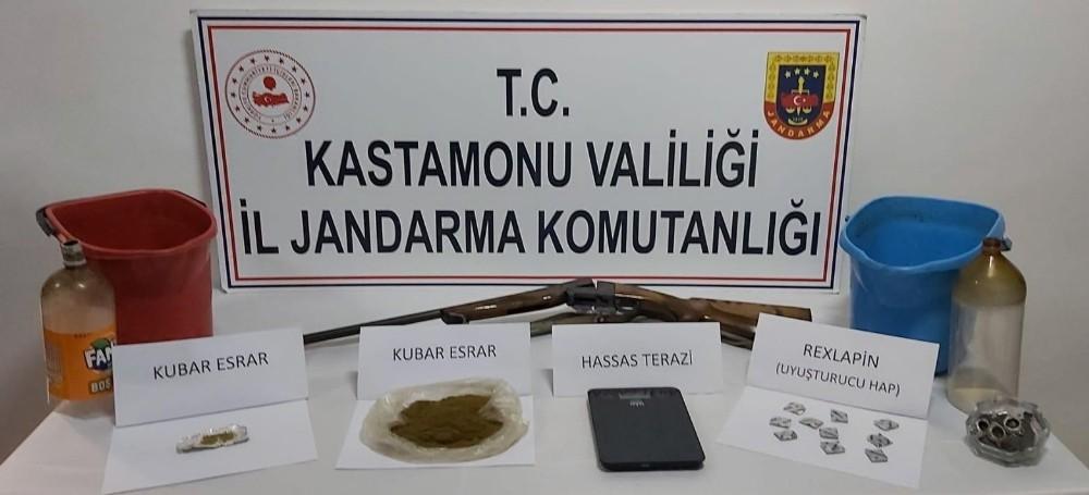 Kastamonu'da uyuşturucu tacirlerine operasyon