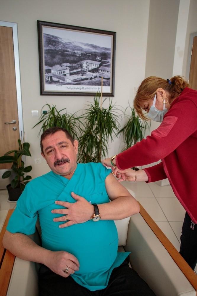 Belediye Başkanı Vidinlioğlu aşı oldu