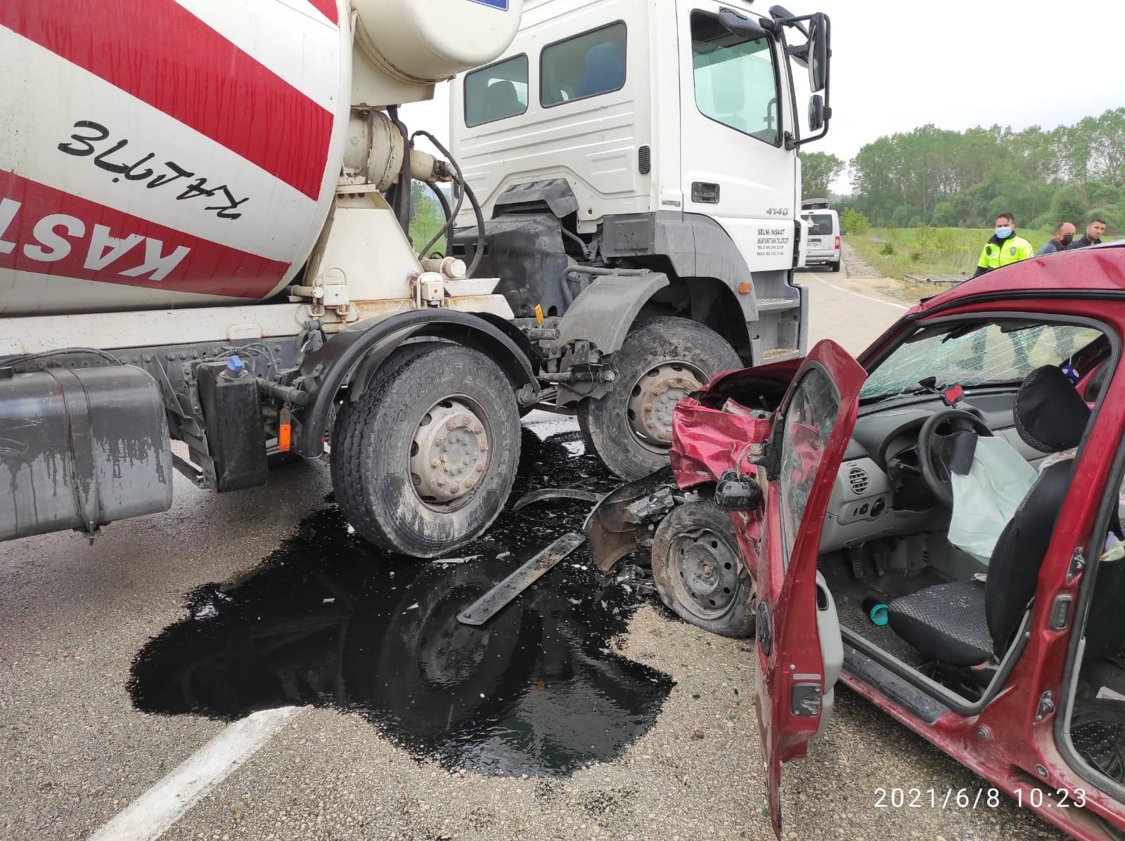 Kastamonu'da iki ayrı kazada 5 kişi yaralandı