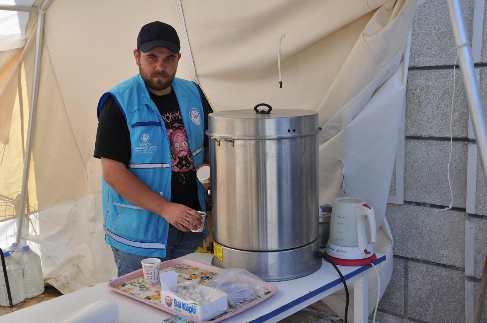 Depremden etkilenince sel bölgesinin gönüllüsü oldu
