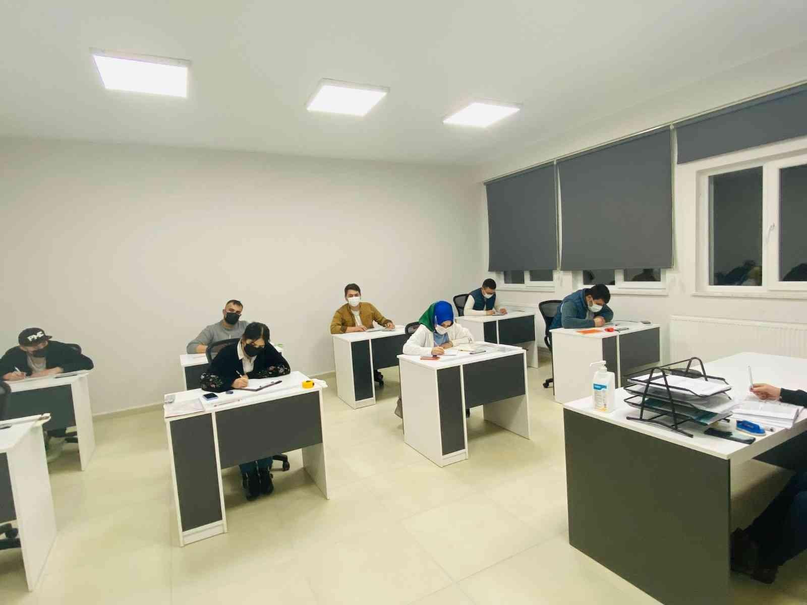 KASMEK'te ahşap restorasyon kursu açıldı