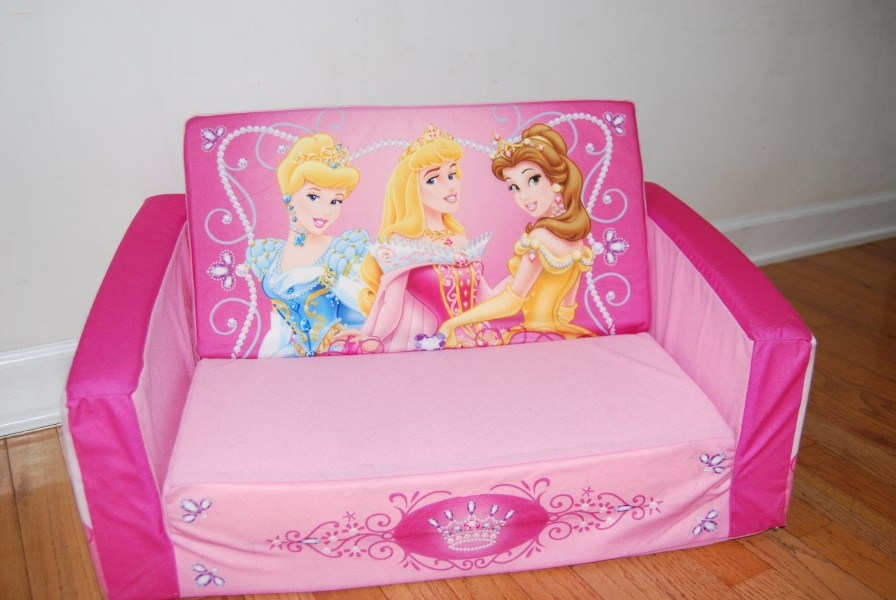 The Power of Pink   Storming the Castle Pink Princess Sofa Thingy