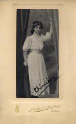 PHOTOGRAPHERS - Luis Vallet de Montano (1858-1936),Retrato de de la señorita Chinelín, Bilbao, pp. siglo XX (Colección Hesperus)