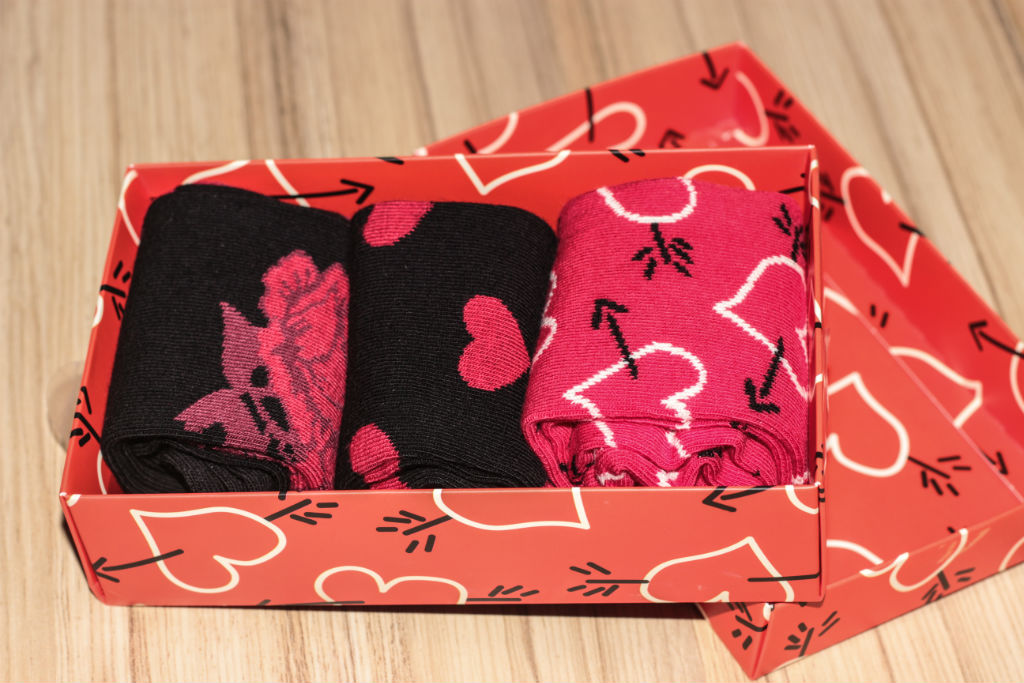 Review for Valentine's Day_happy socks_02