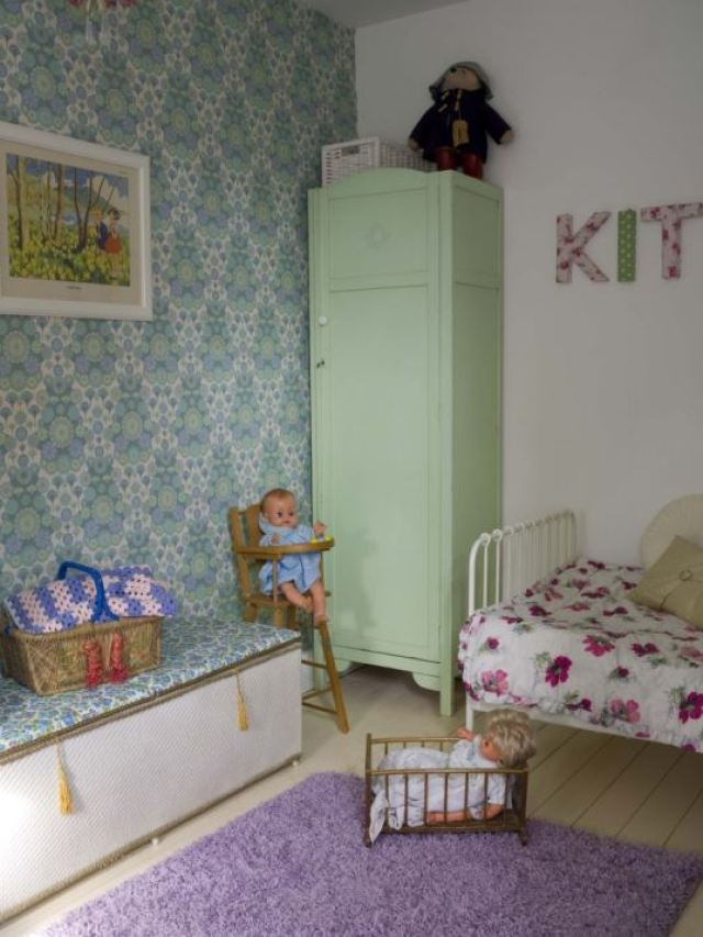 vintage girls  bedroom from kate Beavis