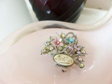 Vintage 1950s Mother brooch from Kate Beavis