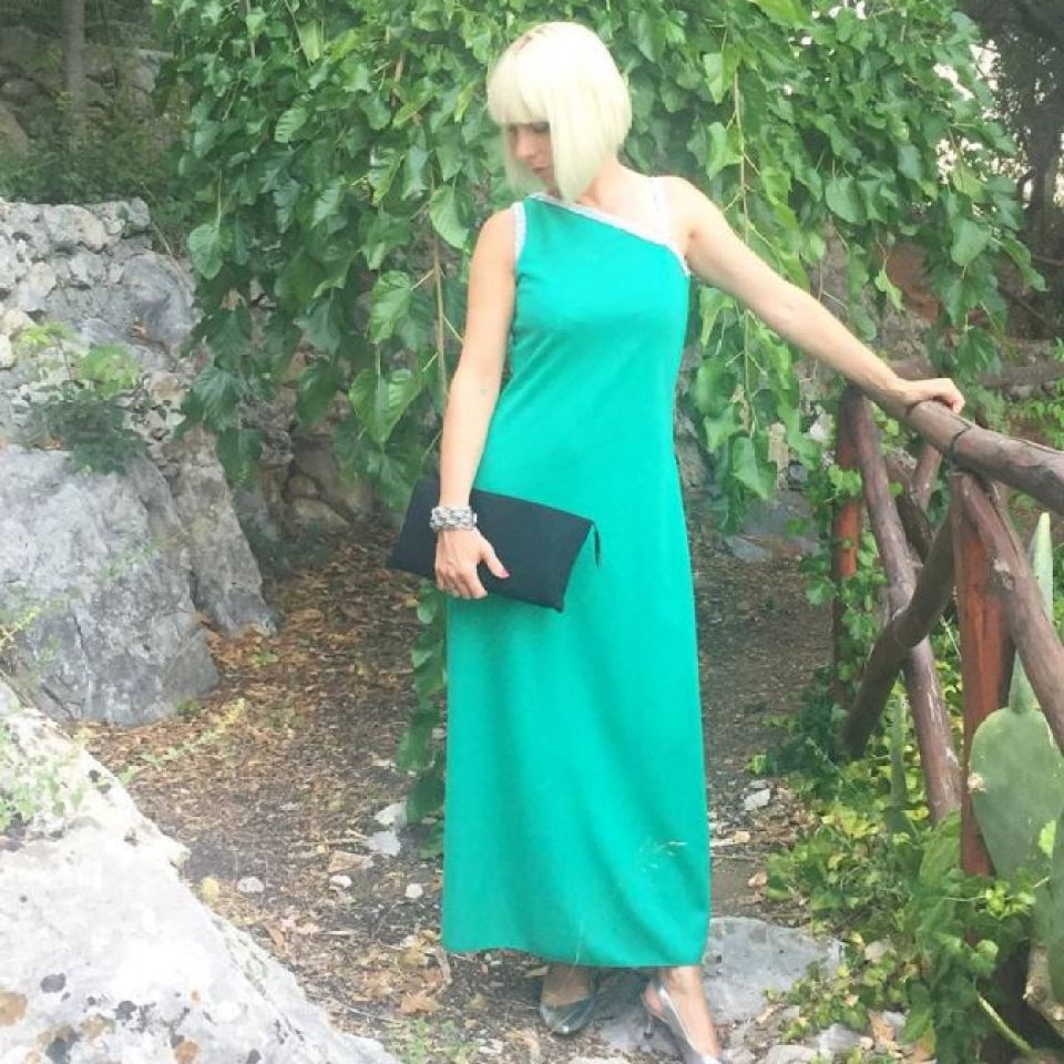 Vintage green 1960s maxi dress as featured on Kate Beavis blog