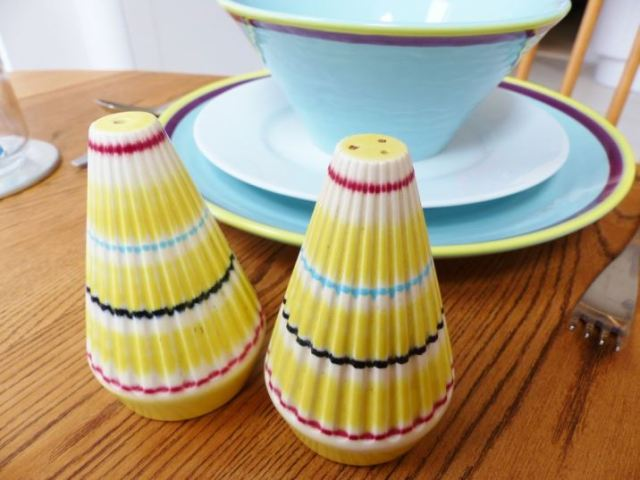 Vintage dinner party with duckydora, Hornsea and Poole Pottery as featured in Kate Beavis Vintage Home blog