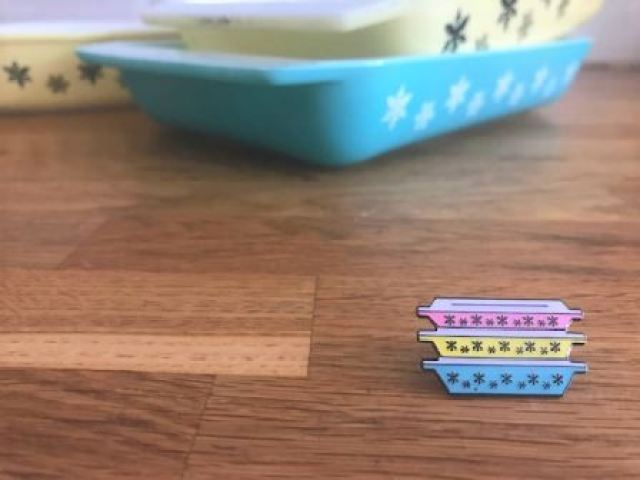 Vintage Pin Club Snowflake Pyrex