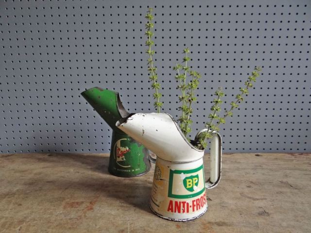 Vintage oil cans gift ideas for Fathers Day