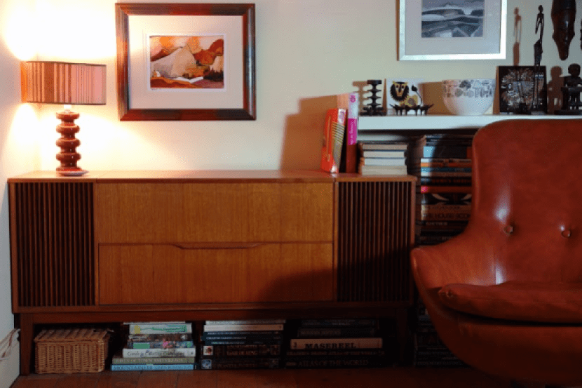 How to create a mid century living room