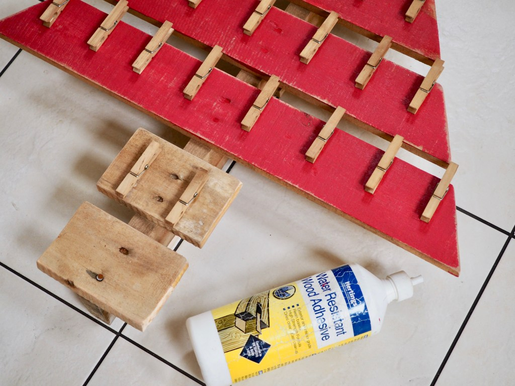 How to make a Christmas advent calendar from a wooden pallet