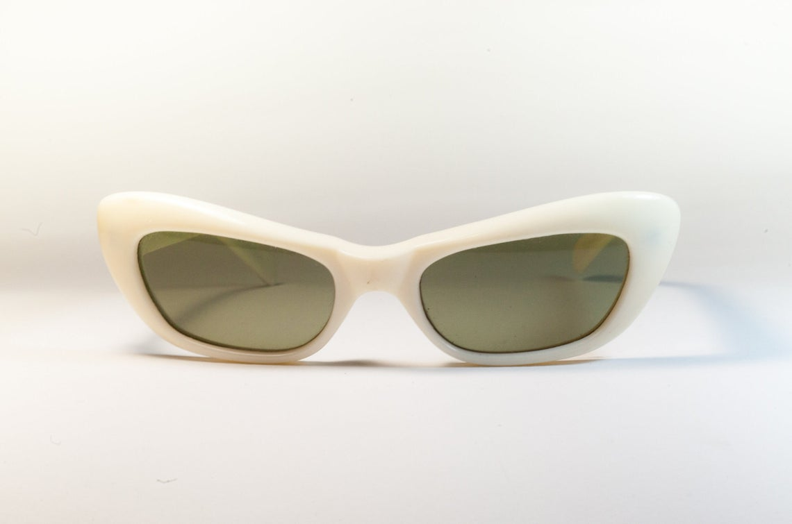 Which Vintage Style Sunglasses Should You Choose For Your Perfect Vintage Look