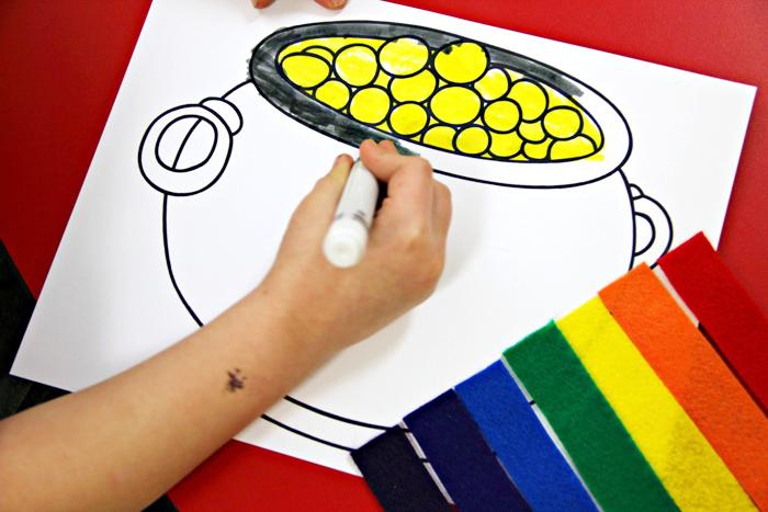 St Patrick's Day DIY felt kid craft | Pot of Gold craft for kids from Kunin classroom