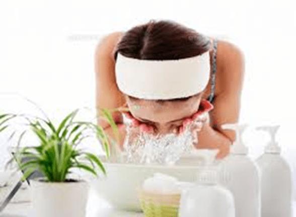 大人ニキビが増える原因は洗顔にあった!?正しい洗顔でニキビが消える!