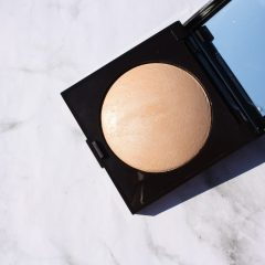 LAURA MERCIER MATTE RADIANCE: THE HIGHLIGHTER YOU NEED IF YOU HATE HIGHLIGHTERS