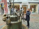 Puppenbrunnen - you can move the pieces!