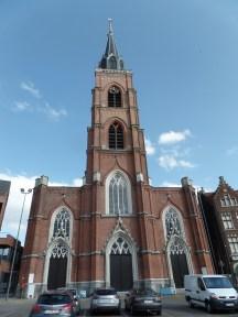 Onze-Lieve-Vrouw en Sint-Rochuskerk, Boom