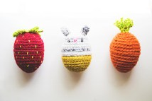 http://goodknits.com/blog/2016/03/14/crochet-amigurumi-bunny-food-eggs/