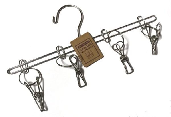 100均で『ステンレスクリップ4個付きハンガー』がオシャレなデザイン!