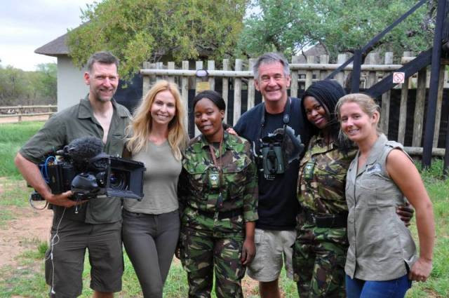 Anneka-Nigel-and-Michael-meet-Jade-and-The-Mambas