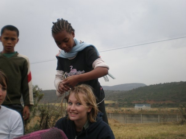Alicedale-children-braiding-Kate-Conservation-hair