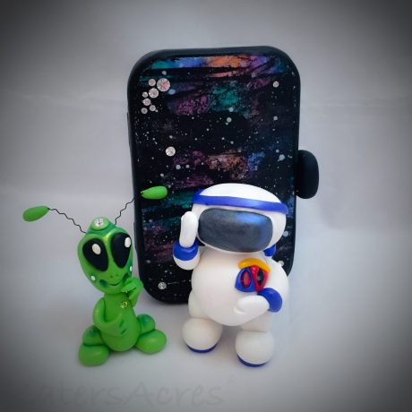 Polymer Clay Astronaut Tutorial | CLICK for astronaut, galaxy, & alien tutorials too
