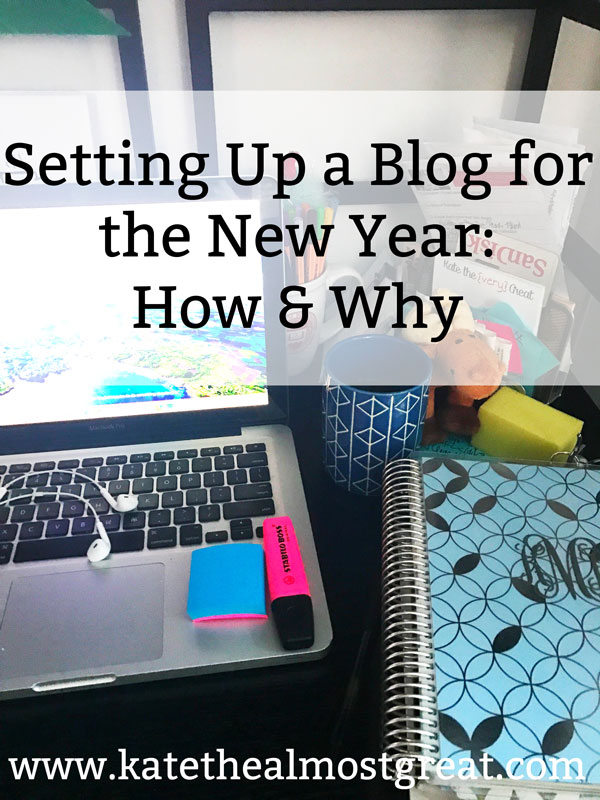 As the year comes to a close, it's time to think about the new year. Are you setting up your blog to succeed in the new year? Check out why you need to do that + 8 ways how.