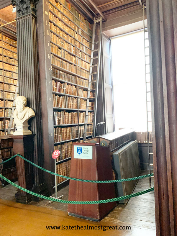 things to do in Ireland, things to do in Dublin, Trinity College Library, Book of Kells, Ireland travel guide, Dublin travel guide, what to do in Ireland, what to do in Dublin