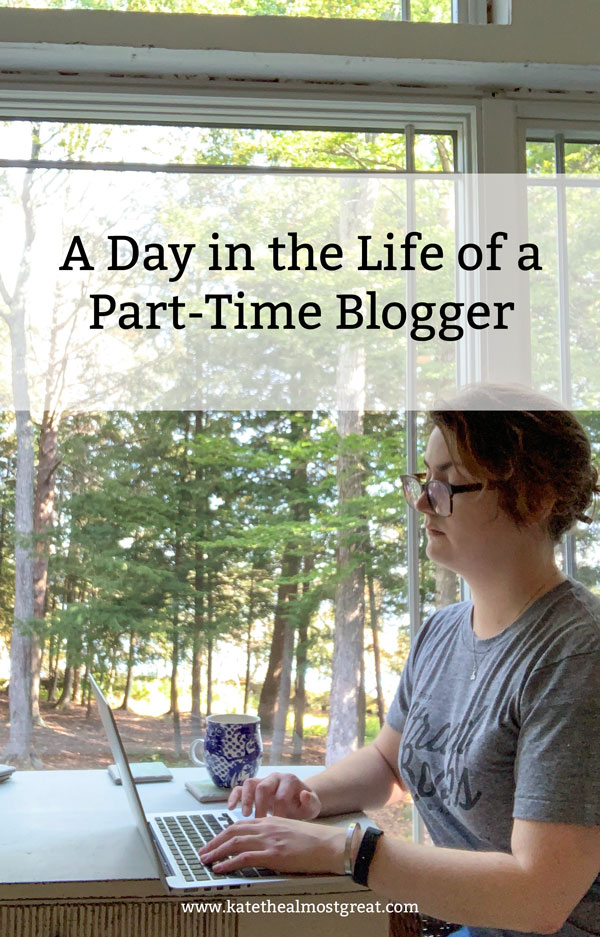 blogger, blogger life, blogging, blogging life, what do bloggers do, chronic illness, chronic illness blogger, chronic pain, health blogger, spoonie blogger, chronic illness blog, chronic pain blog, blog about chronic illness, blog about chronic pain